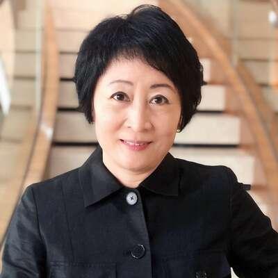 Tanya Lau