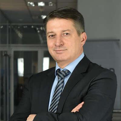 Peter Uzunov